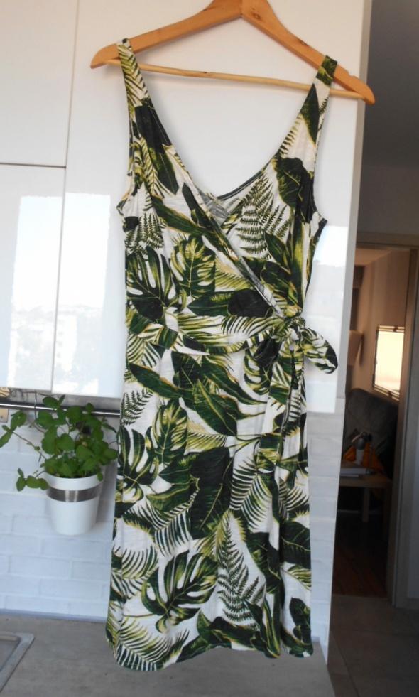 HM kopertowa sukienka wzory print liście...