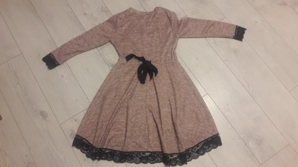 Sukienka taliowana s