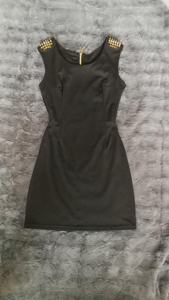 Sukienka ćwieki mini sylwester okazyjna mała czarna
