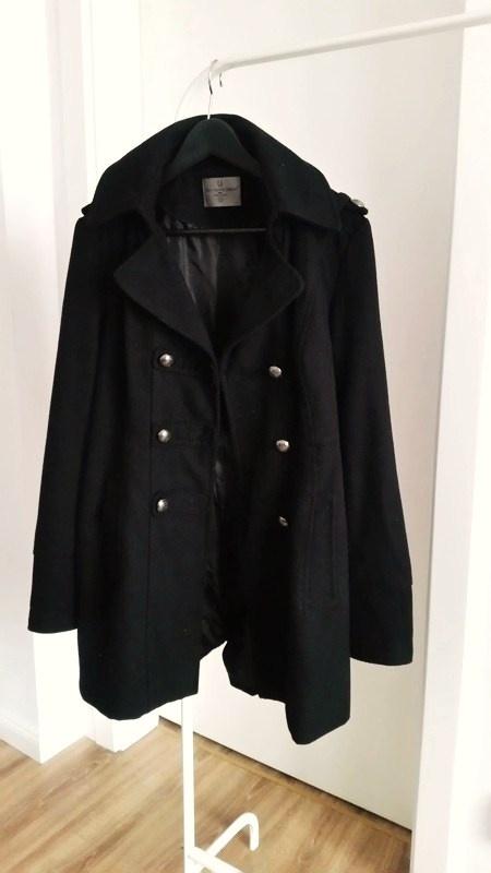 Odzież wierzchnia Czarny klasyczny płaszcz Vero Moda na wiosnę