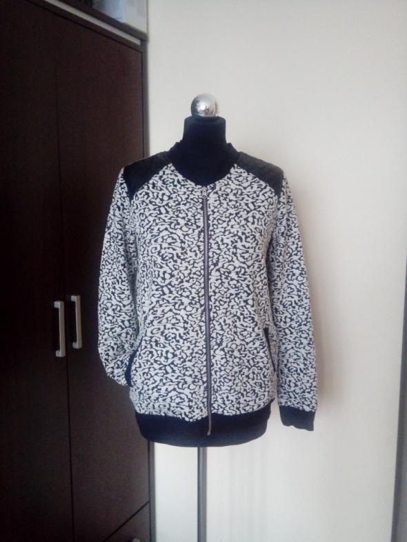 Bluza Reserved w marmurkowy wzór w rozmiarze L