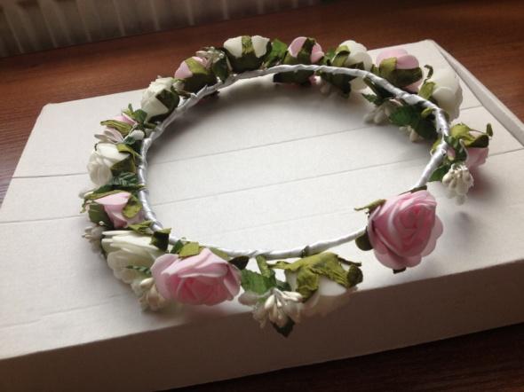 Wianek do włosów kwiaty boho róże różowy pastelowy
