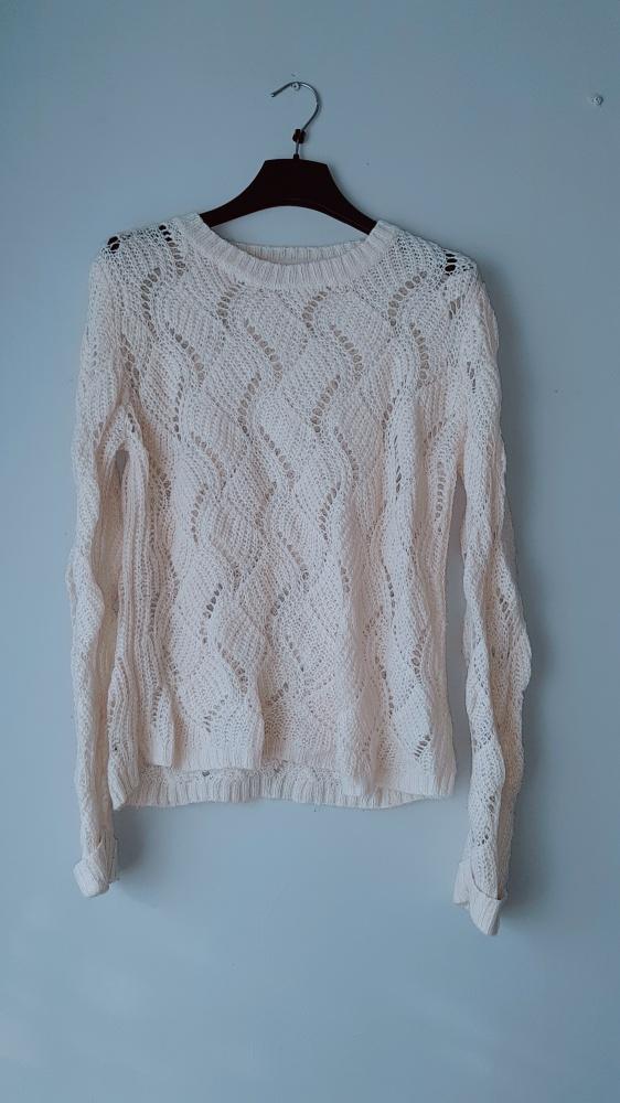 Swetry Idealny beżowy ażurkowy sweterek