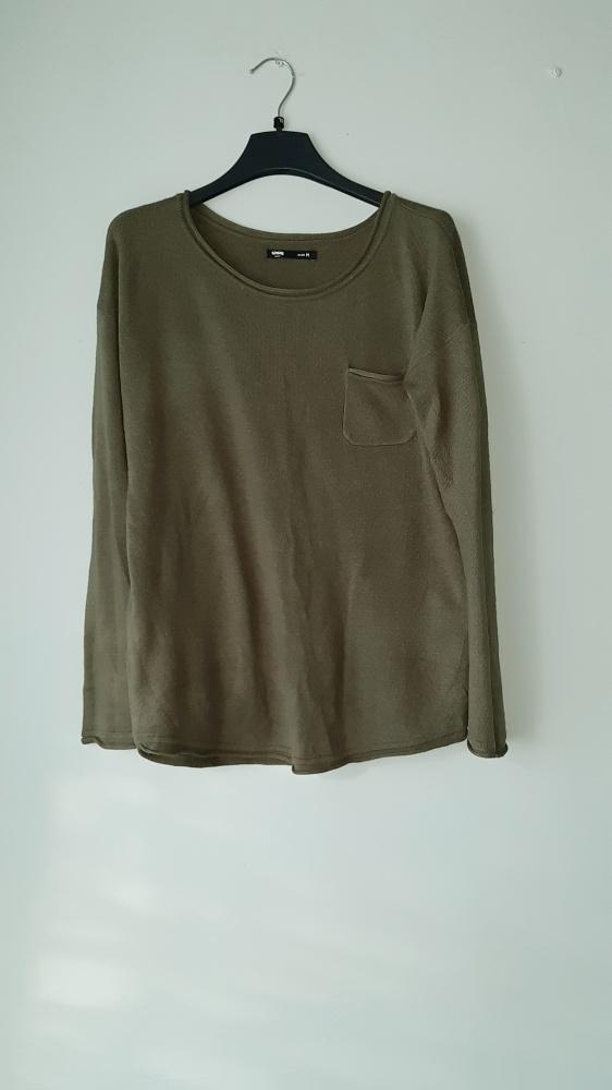 Swetry Idealny ciemnozielony sweterek M