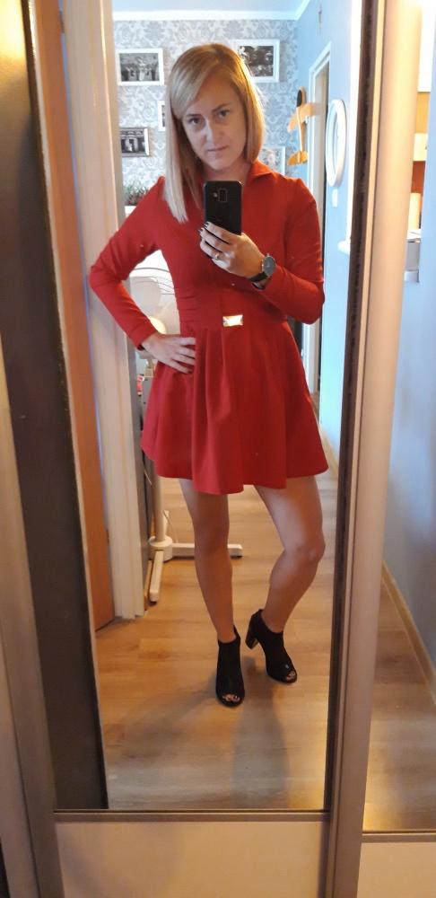 Czerwona mega sexi rozkloszowana sukienka