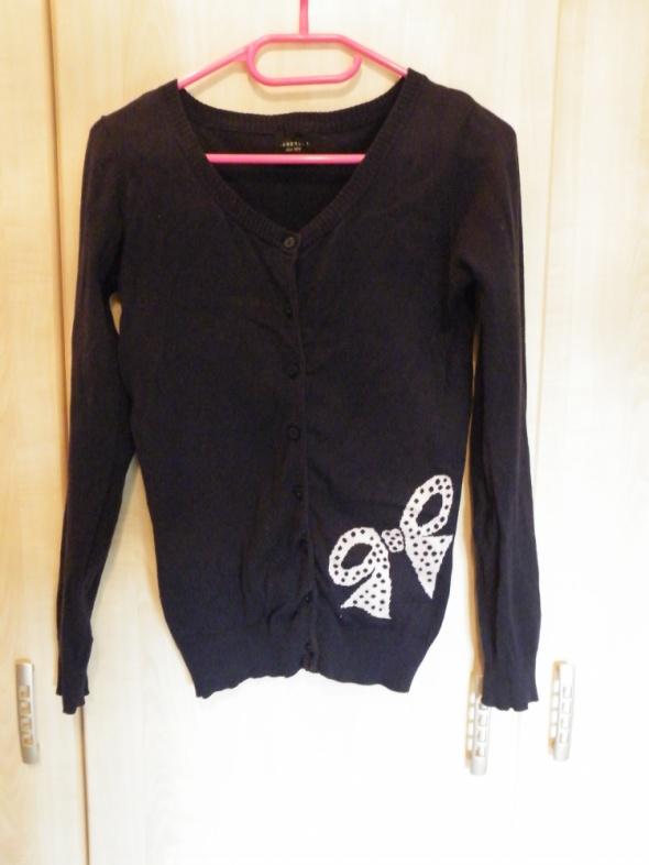 sweterek reserved z kokardą...