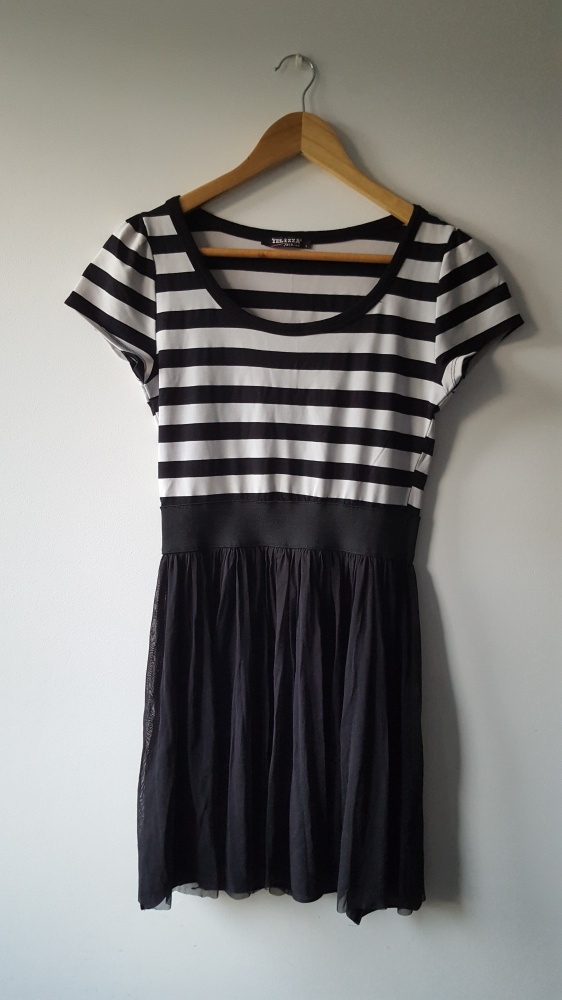 Sukienka czarno biała Yelizza L