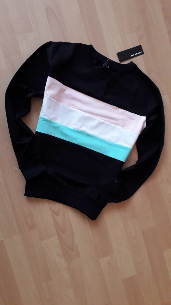 bluza czarna w pasy