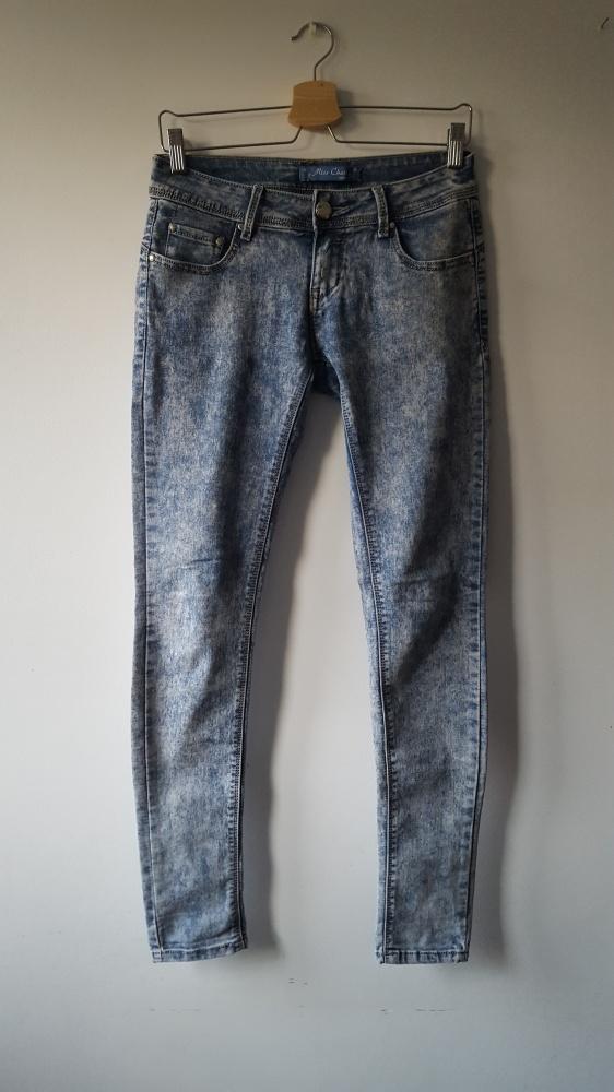 Spodnie rurki marmurki biodrówki M