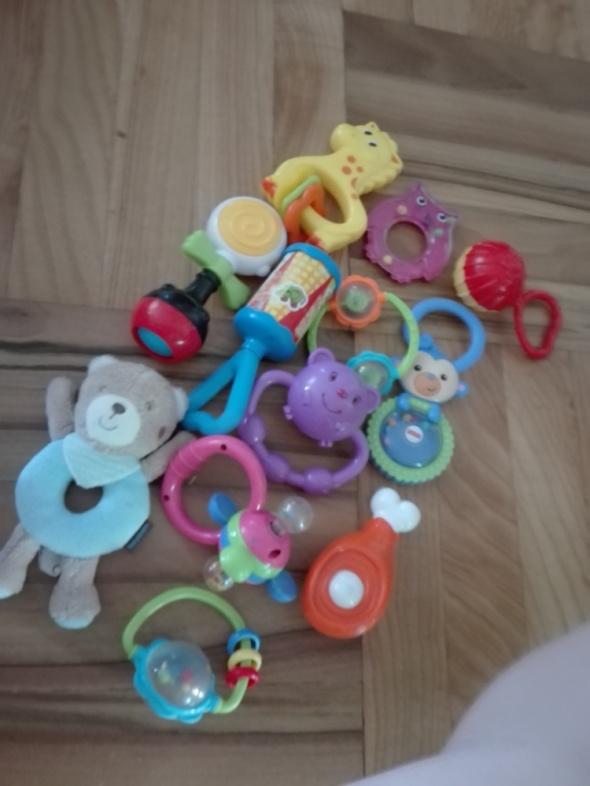 Zabawki grzechotki niemowlak