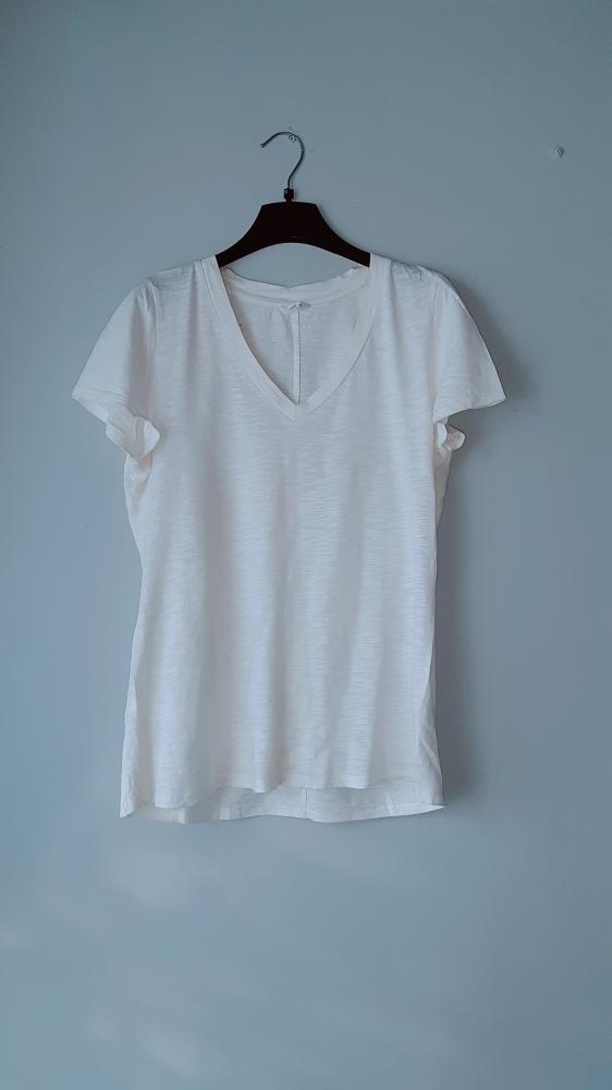 Idealna biała bluzka na krótki rękaw...