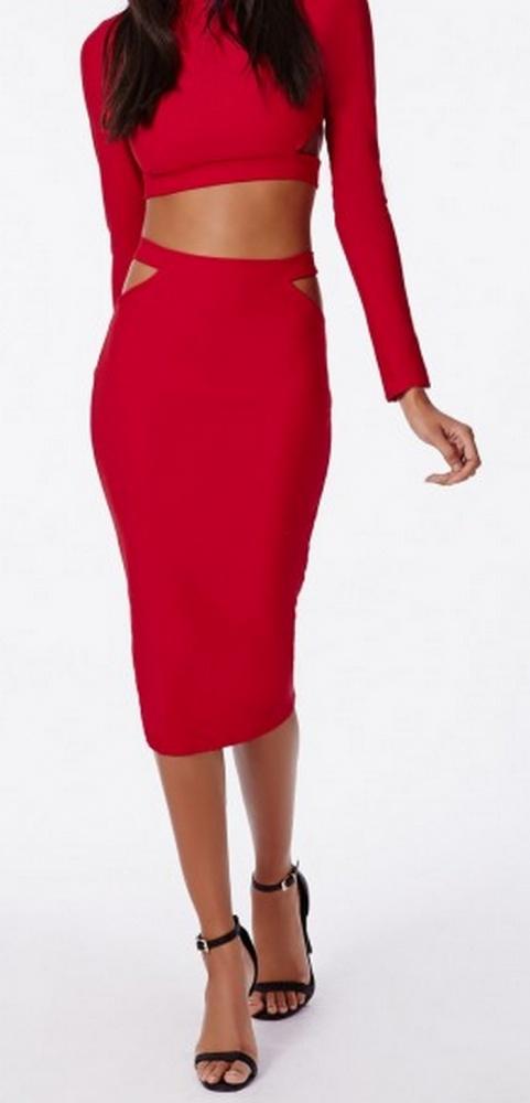 Czerwona spódnica z wycięciami