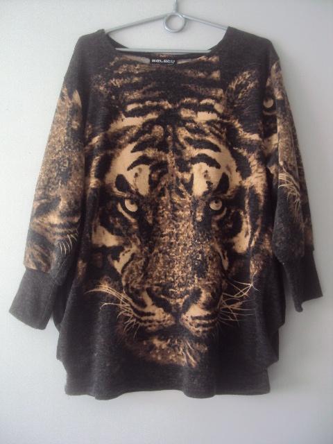 oryginalny sweterek z tygrysem...