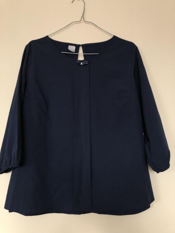 Granatowa bluzka kokardka