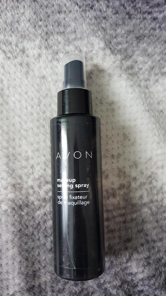 Utrwalajacy spray do makijażu
