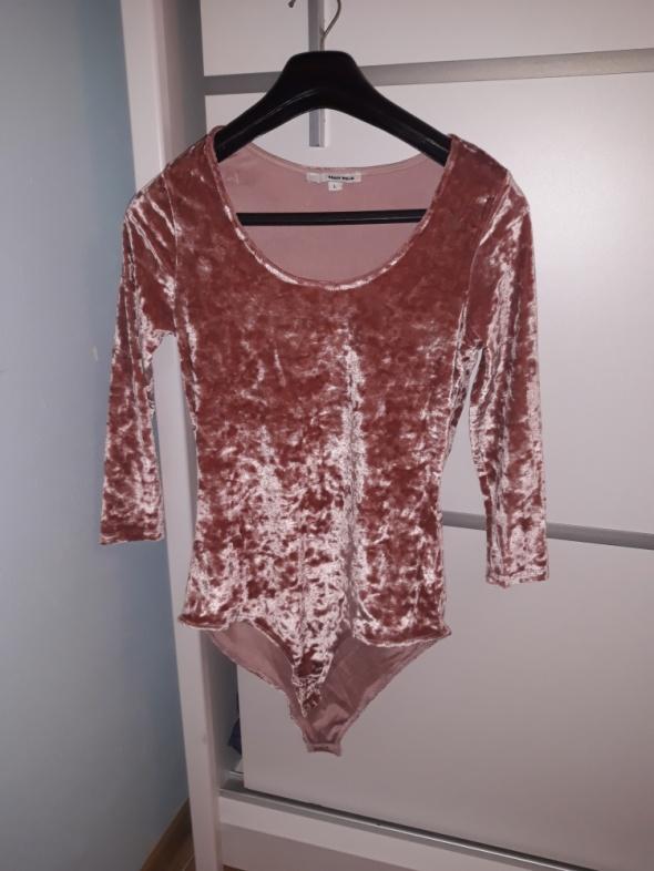 Bluzki Welurowe body pudrowy róż
