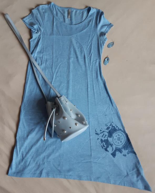 Niebieska sukienka Carry rozm S...