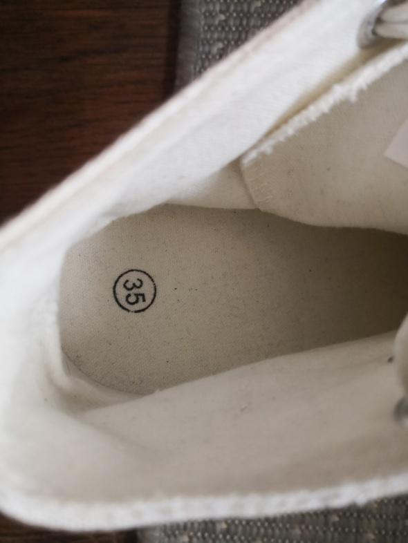 Koturny Sneakersy 35