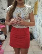 czerwona mini spódnica...