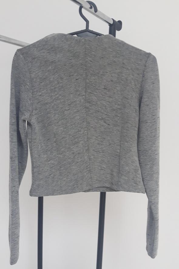 Krótka bluzka z zipem