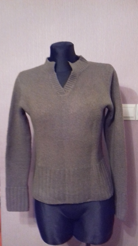 Oliwkowy ciepły sweter S M