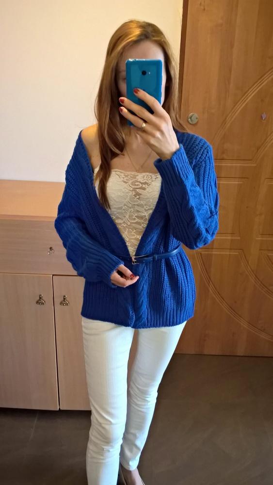 Kobaltowy sweter kardigan