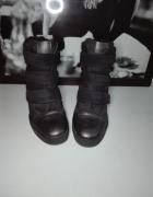 Czarne koturny sneakersy 38...