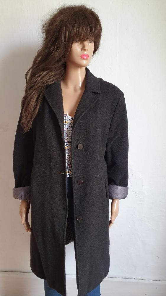 Grafitowy zimowy płaszczyk r około XL