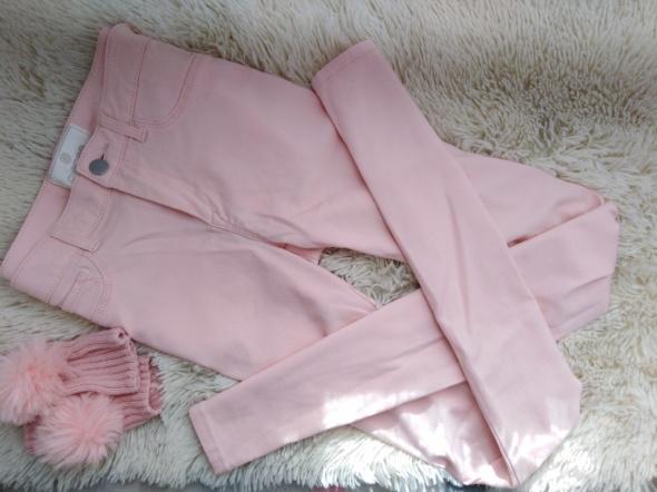 Spodnie rurki pudrowe M Pieces...