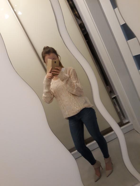 Sweter nude warkoczowy splot cropp