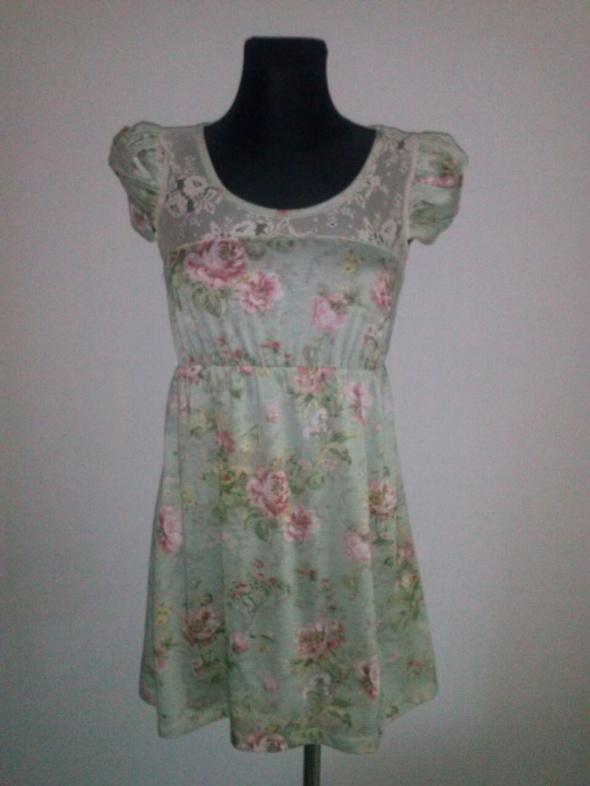 Suknie i sukienki Urocza sukienka kwiaty koronka XS S