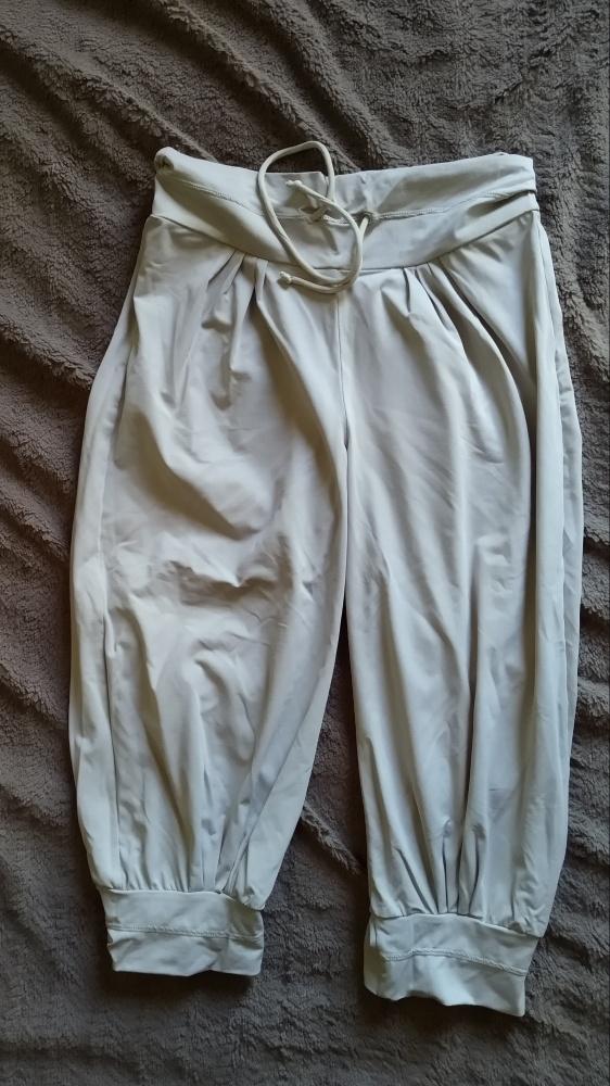 spodnie fit za kolana