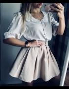 Bluzka vero moda z kołnierzem haftowanym...