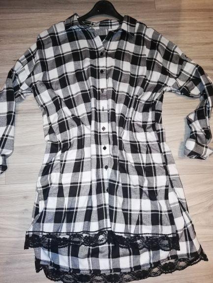 Reserved koszula tunika w czarno biała krate z czarna koronka