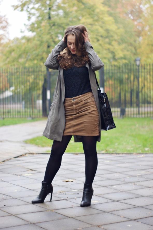 Spódnica brązowa na jesień