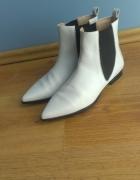 Białe buty Zara...