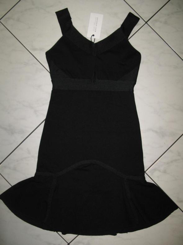 MODEL BEHAVIOUR czarna rozkloszowana sukienka lata 20 roz 34
