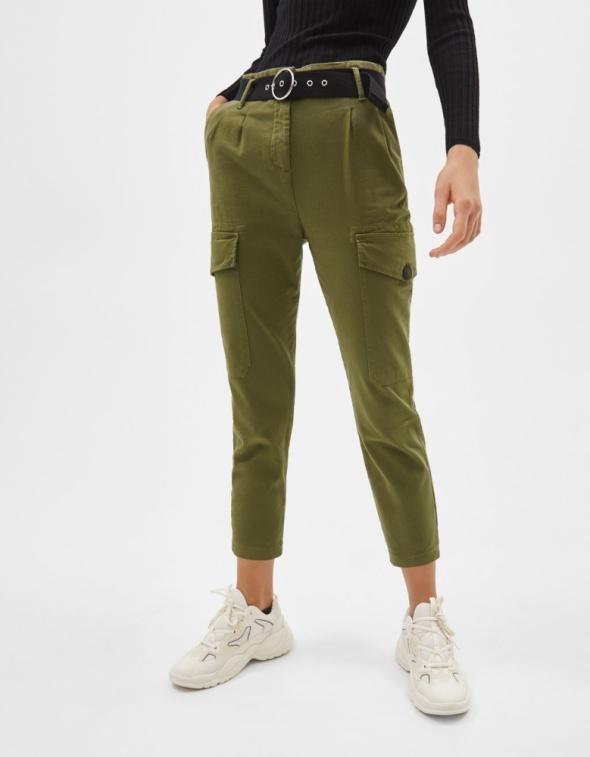 Spodnie cargo z paskie Bershka khaki rozmiar XXS XS