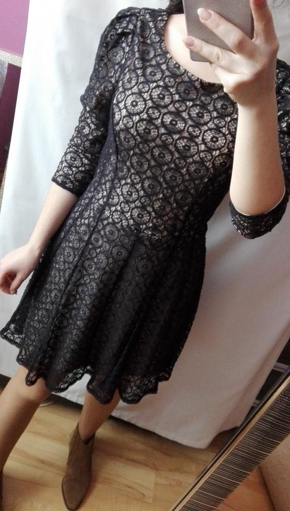 Sukienka z koronką z wycięciem rozmiar XS haft