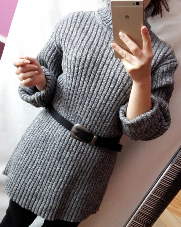 Wełniany sweter golf szary oversize