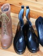 3 pary butów...