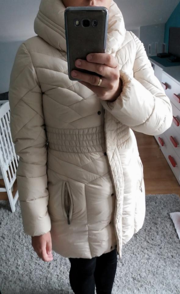 Beżowa długa kurtka zimowa S