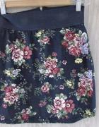 Wiosenna spódnica w kwiaty Stradivarius nowa...