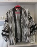 Czarno biała kurtka z frędzlami hiszpański styl...