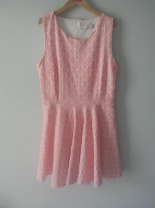 Sukienka różowa koktajlowa...