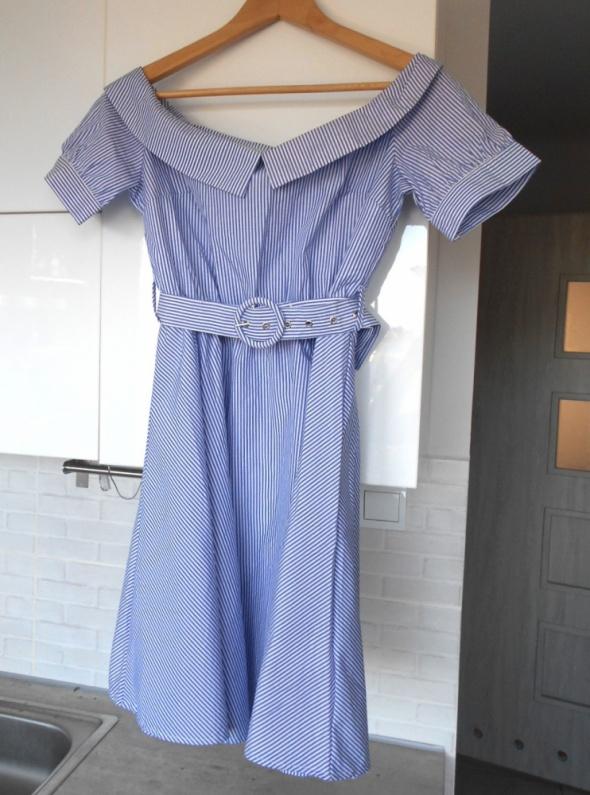 Reserved nowa sukienka z paskiem kołnierzyk paski odkryte ramiona collar retro