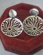 Bardzo ładne srebrne ażurowe kolczyki...