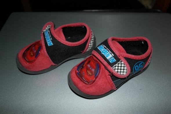 Disney PIXAR pantofle chłopięce domowe 21...