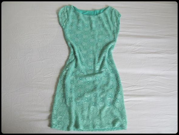 Piękna dopasowana miętowa sukienka S i małe M