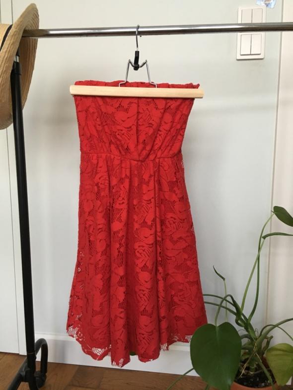 Czerwona sukienka bez ramiączek XS...